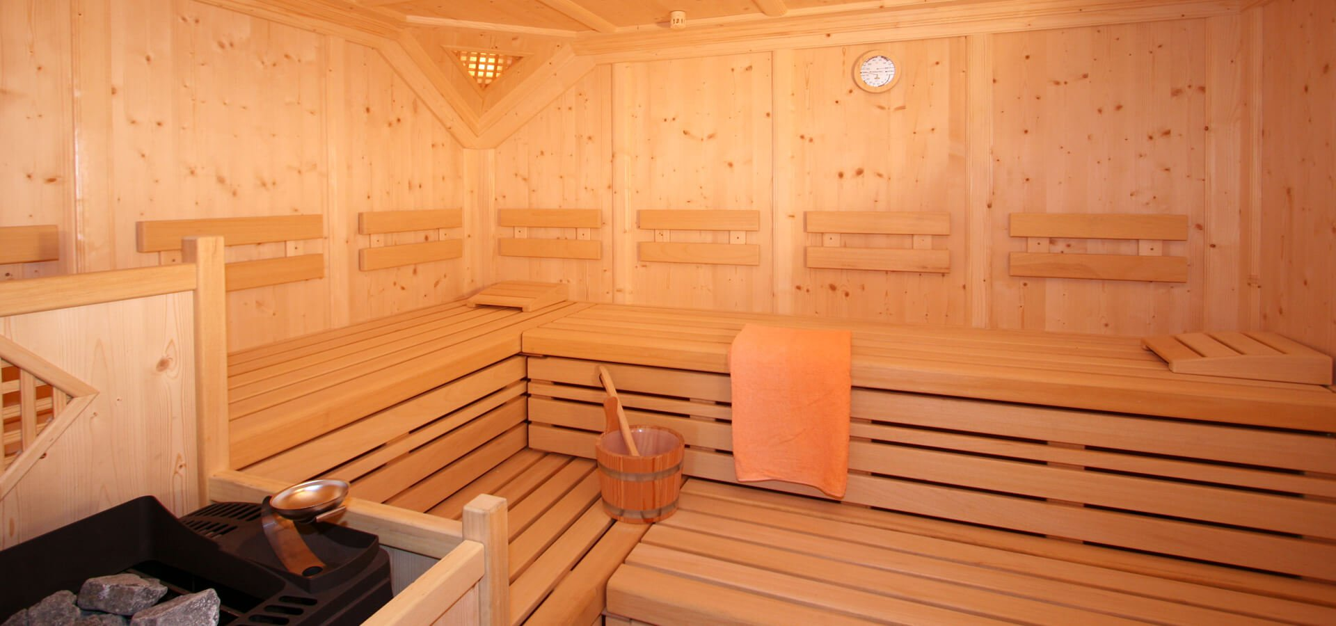 apartment with sauna your wellness holiday on the seiser alm. Black Bedroom Furniture Sets. Home Design Ideas