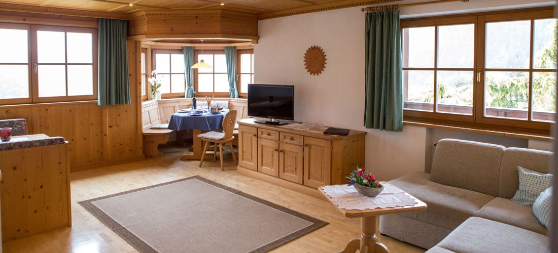Lively holiday apartments in Seis for tourist groups