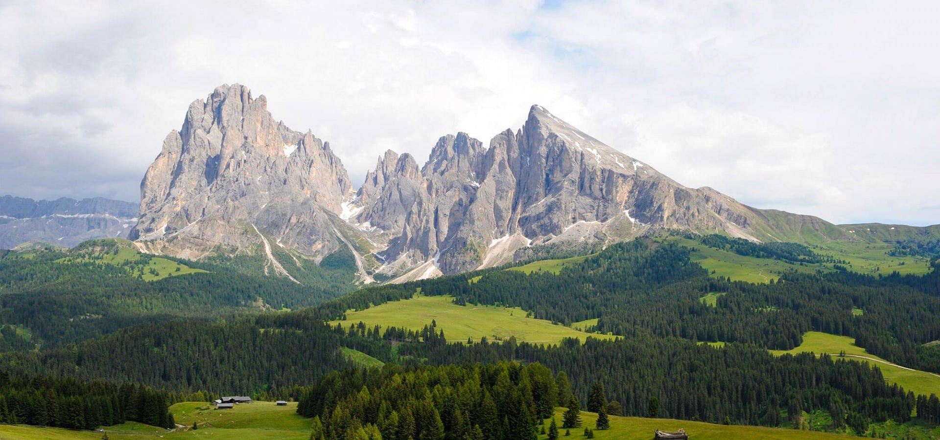 Residence Burghof Ferienwohnungen in Seis am Schlern – Südtirol